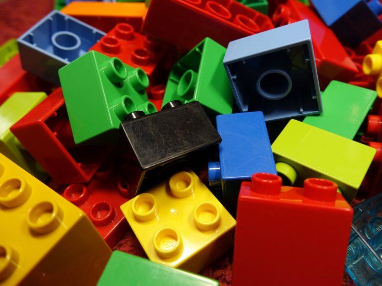 lego blocks 2458575 1920